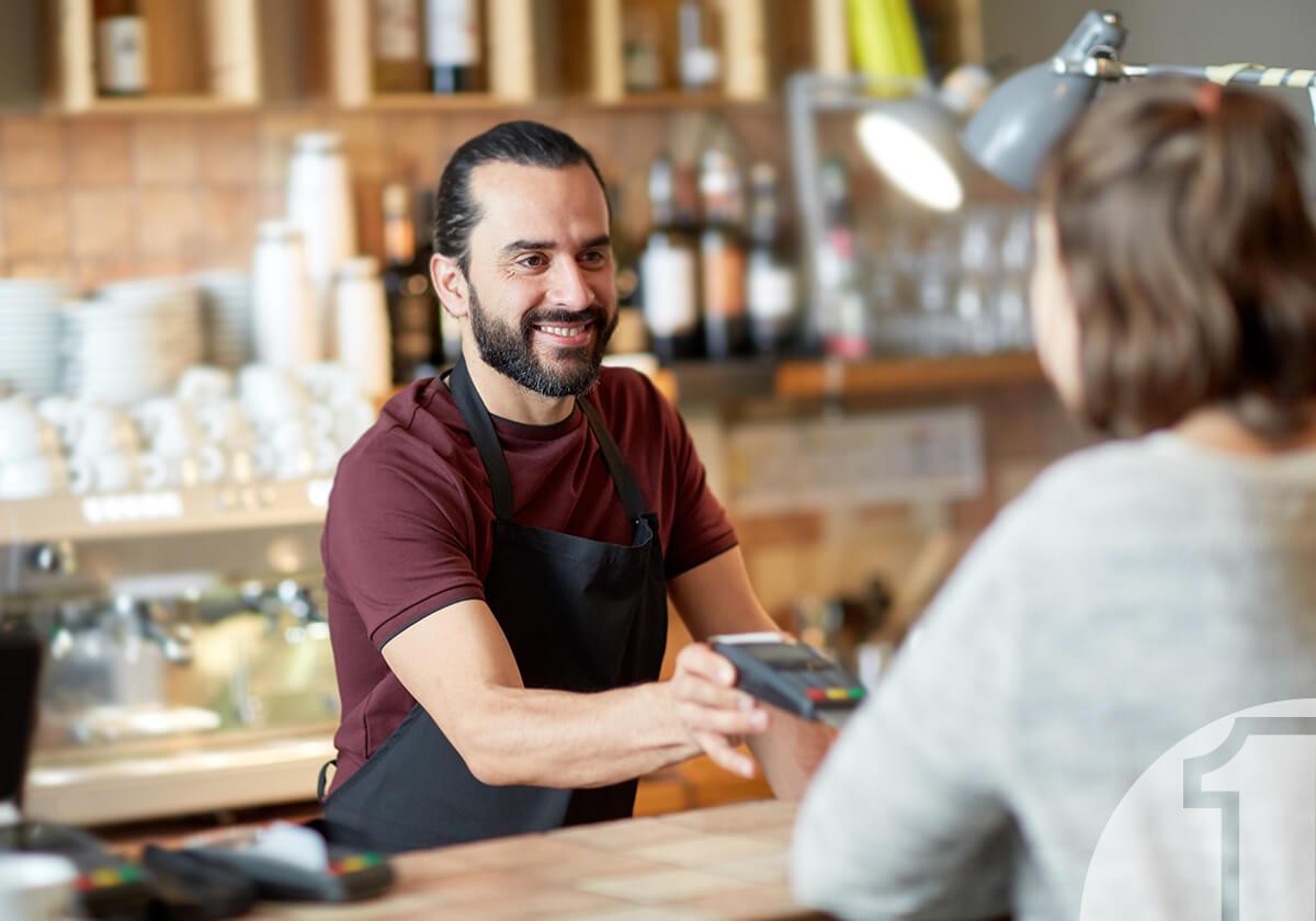 Εξυπηρέτηση πελατών - Στο κέντρο του ενδιαφέροντος σας ο πελάτης. Ευγενικός πωλητής. Πληρωμή. Ena Blog