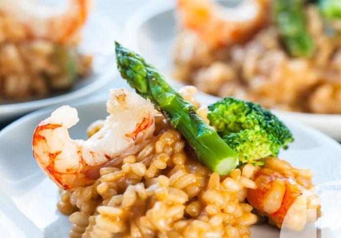 Ριζότο με Γαρίδες και Σπαράγγια. Συνταγές για επαγγελματική κουζίνα. Ena Blog