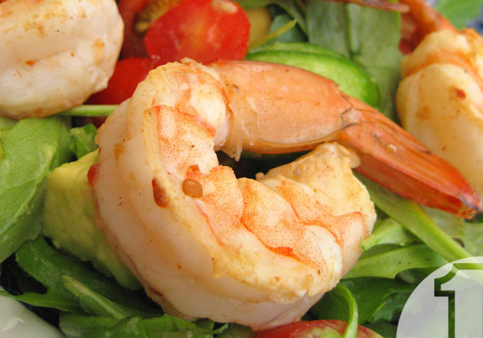 Σαλάτα με γαρίδες, ντομάτα και αβοκάντο   Ena Blog