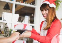 10 προτάσεις για να προσφέρετε την καλύτερη εξυπηρέτηση στους πελάτες σας, αυτές τις γιορτές | Ena Blog