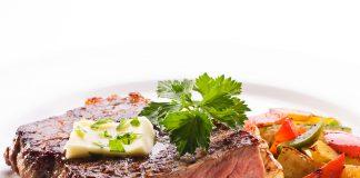 Μοσχαρίσιες μπριζόλες με σάλτσα | Ena Blog