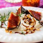 Ρικότα με φρέσκα σύκα, κρέμα μπαλσάμικου και κουκουνάρι   Ena Blog