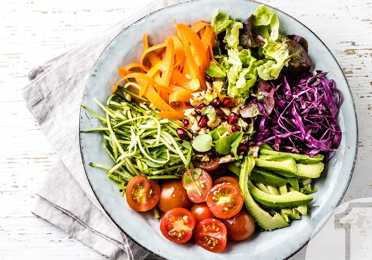 Πολύχρωμο salad bowl με σως βινεγκρέτ   Ena Blog
