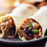 Burritos με μοσχάρι και μεσογειακή σως πάπρικα   Ena Blog