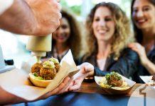Gourmet Street food. Tι είναι και πώς μπορεί να ωφελήσει και τη δική σας επιχείρηση | Ena Blog