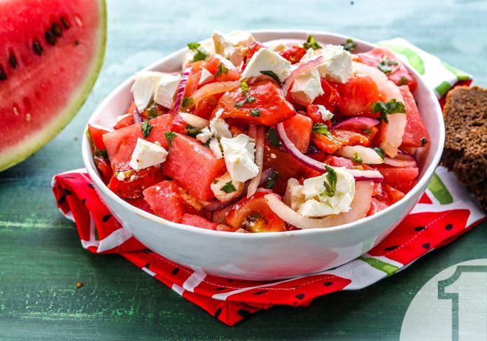 Χωριάτικη σαλάτα με καρπούζι και φέτα | Ena Blog