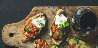 Μπρουσκέτα με λαχανικά σχάρας, ένα ελαφρύ και νόστιμο συνοδευτικό ποτών | Ena Blog