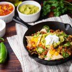 Nachos με ντοματίνια και κιμά | Ena Blog