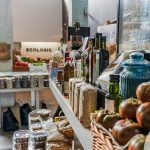 3 και 1 λόγοι που φέρνουν το παντοπωλείο στο επιχειρηματικό προσκήνιο   Ena Blog