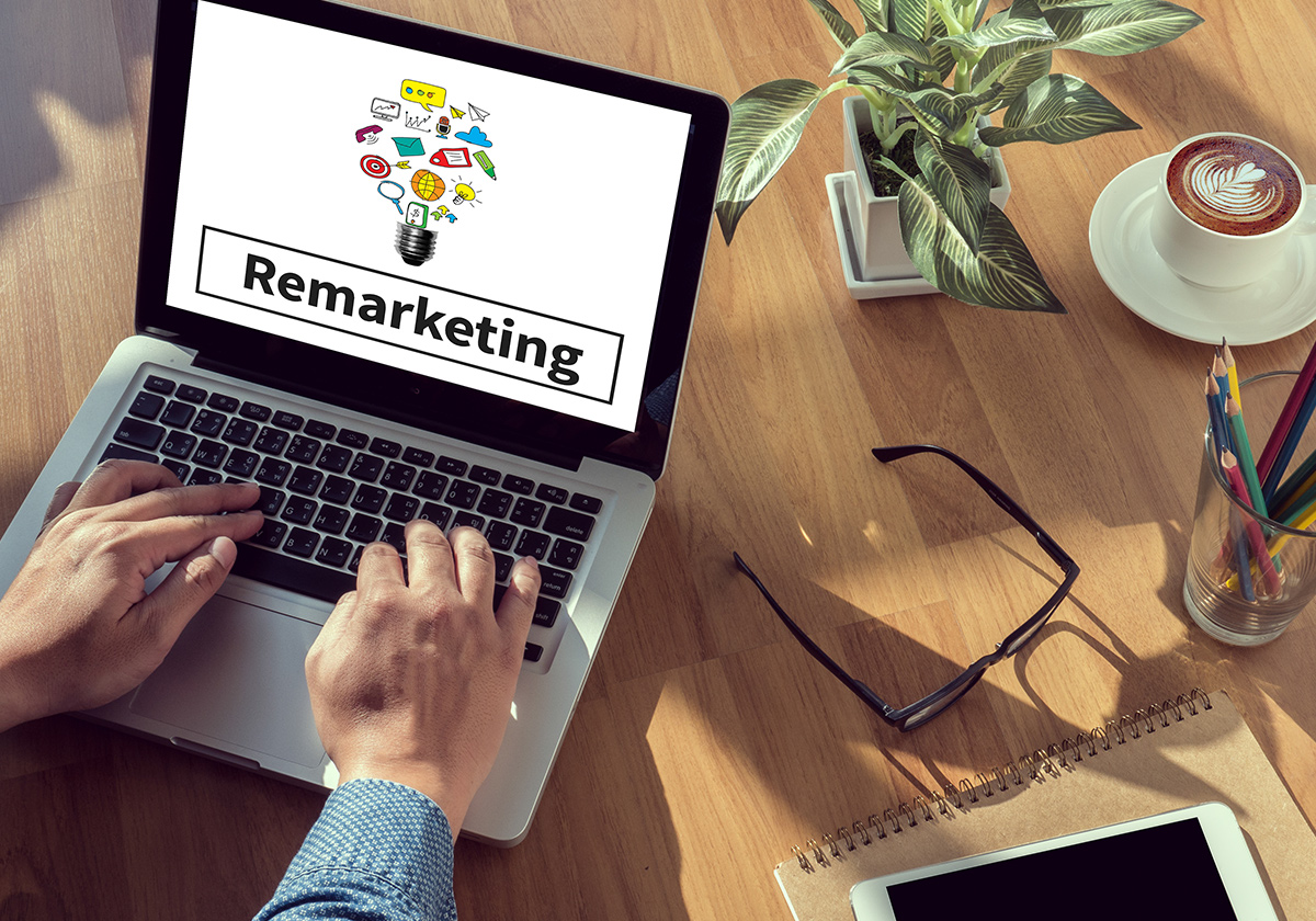 Πώς το remarketing μπορεί να βοηθήσει τις πωλήσεις σας μετά τις γιορτές | Ena Blog