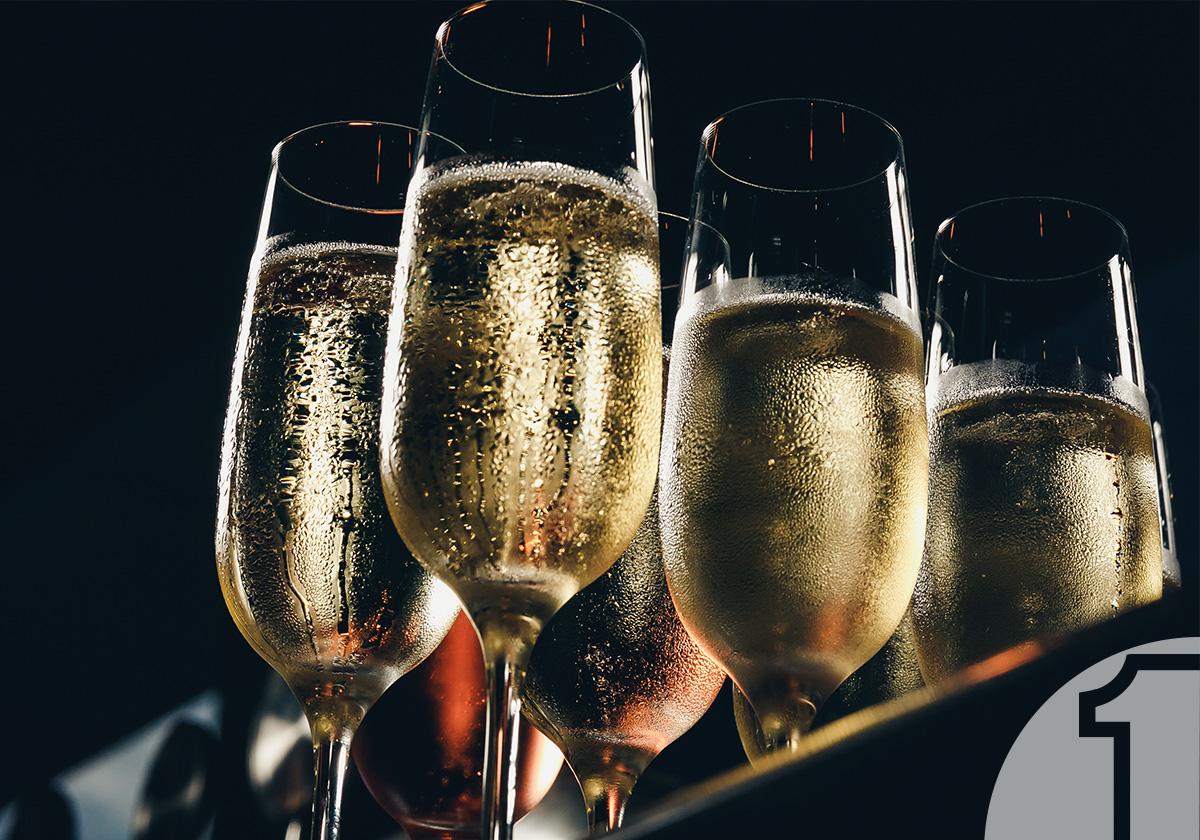Αφρώδη κρασιά: Πώς συμβάλλουν στην αύξηση των καλοκαιρινών σας παραγγελιών | Ena Blog